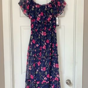 NWT, Off The Shoulder Maxi Dress, size 8!